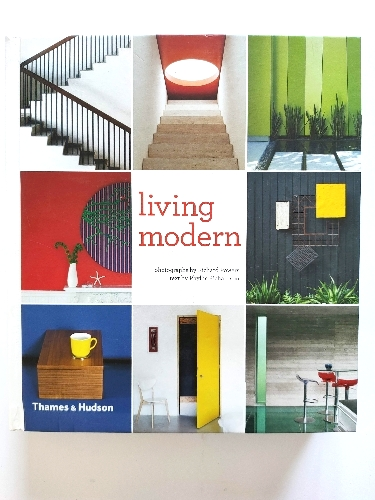 Image for Living Modern: The Sourcebook of Contemporary Interiors